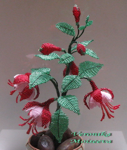 Антуриум из бисера: роза из бисера мк.